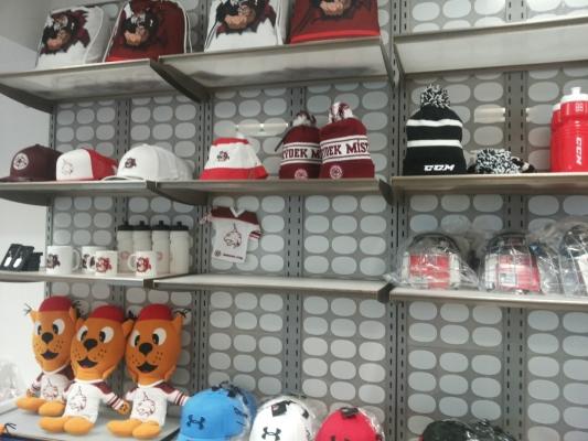 Příprava k otevření sport shopu_5